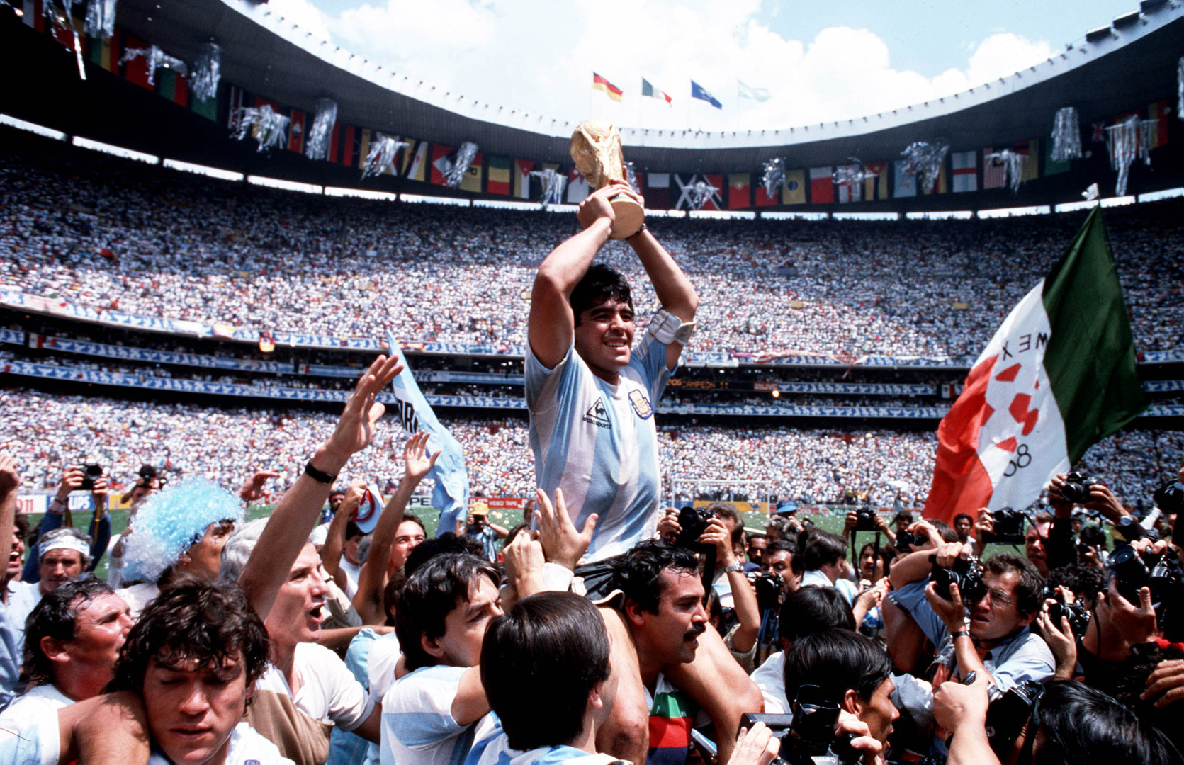 Diego Maradona, Foto: Bob Thomas Getty Images DCM