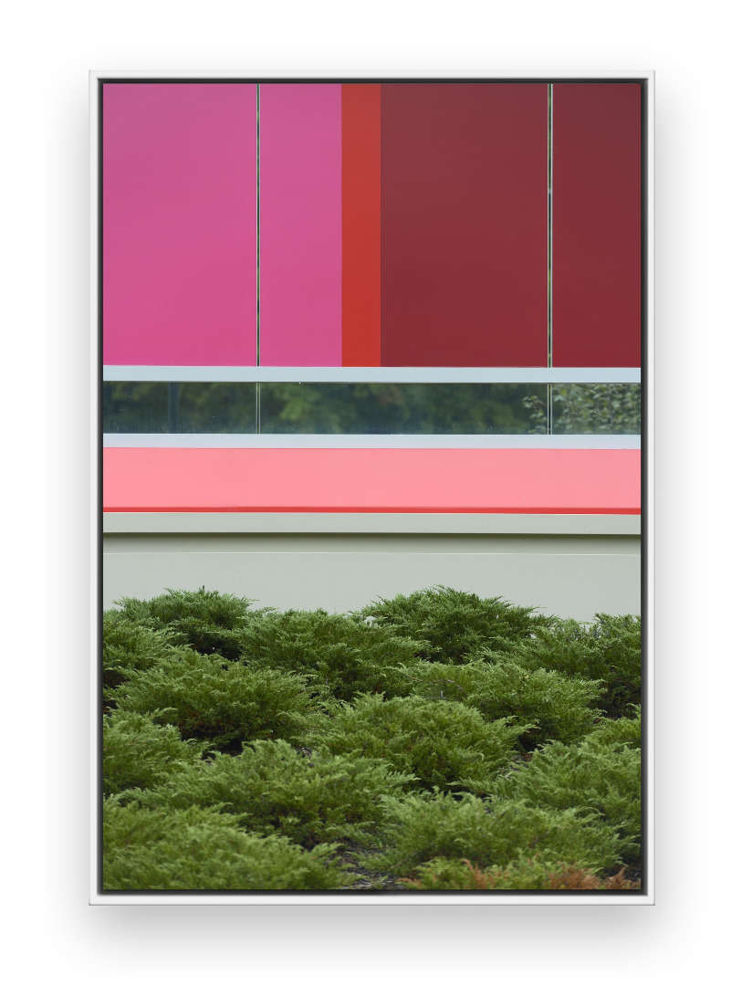 Johannes Kersting, Big Pink, 2017, Pigment Print, 110 × 73 cm © the artist