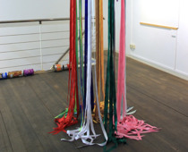 Barbara Engelhard, in the colour flow, 2020, Installation, 100 x 100 x 300 cm (c) und Foto: the artist